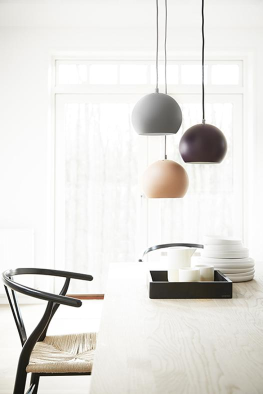 25 lampadari low cost da 2 a 200 euro. Black Bedroom Furniture Sets. Home Design Ideas
