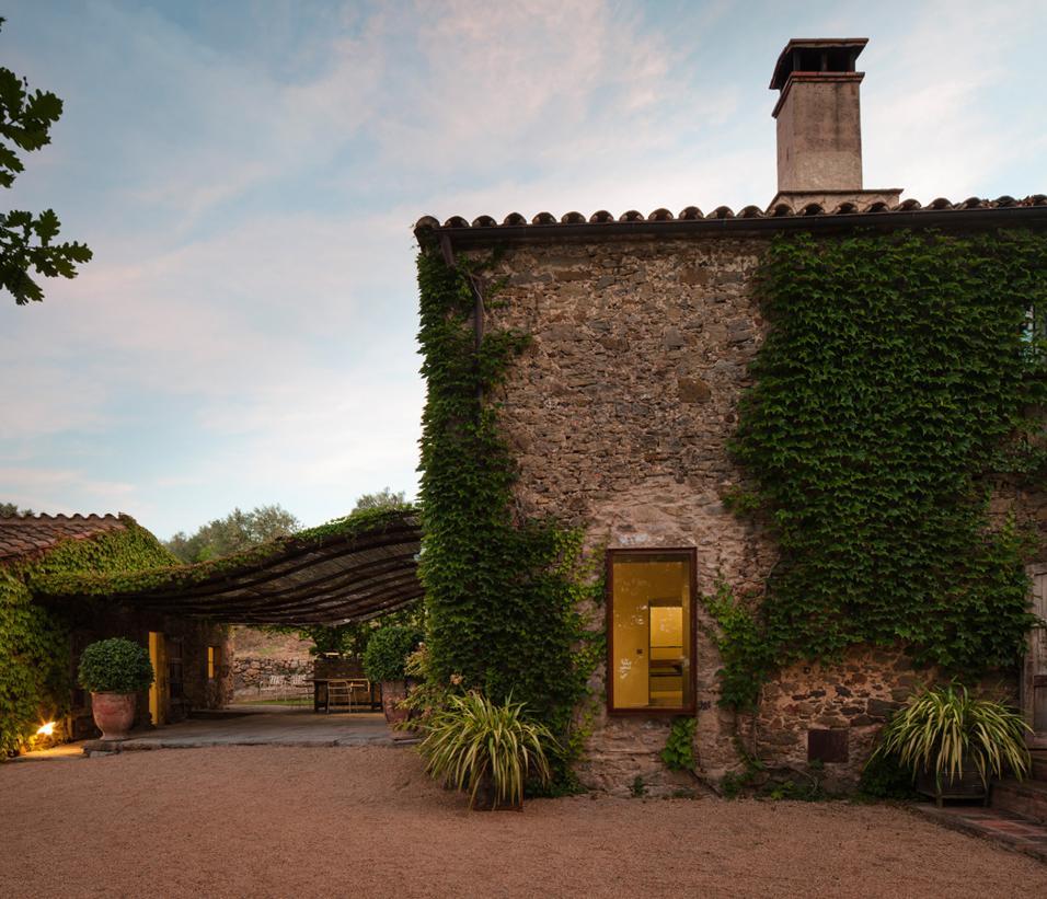 Casale rustico in spagna living corriere for Aspetto rustico