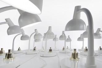 La Job Lamp si basa su un'autentica e classica lampada da ufficio