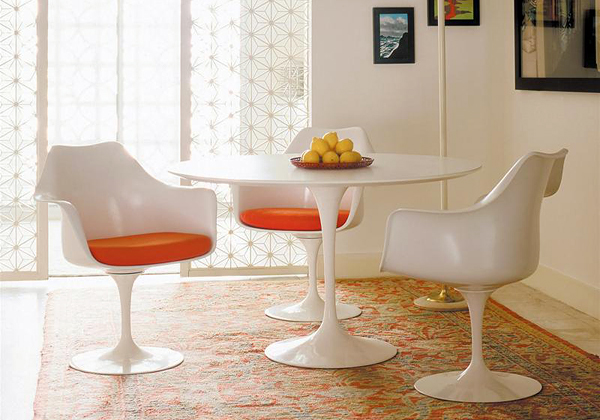 Aaa tavolo cerca sedia livingcorriere - Tavolo antico con sedie moderne ...