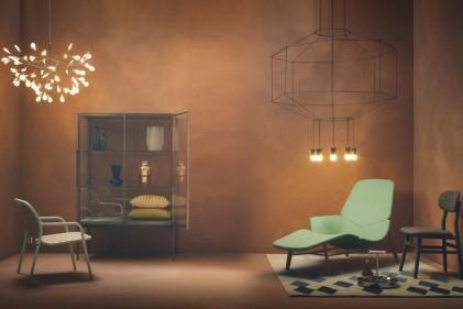 Il lampadario moderno rivisita in chiave contemporanea le classiche luci a braccia, dando vita a sontuose sculture luminose che disegnano lo spazioHERACLEUM II di MOOOI E WIREFLOW DI VIBIA
