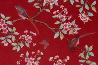 Motivi floreali e uccelli variopinti per la versione in blu della Collezione Old China