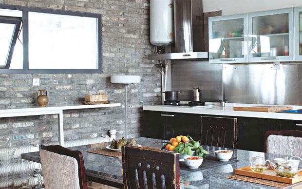 Parete con mattoni a vista camera da letto con parete di - Cucina in mattoni faccia vista ...