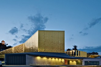 """Il complesso Atlàntida aggiunge una serie di funzioni al conservatorio di Vic """"Can Serratosa"""": un teatro"""