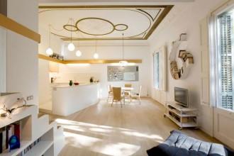 La tipica spazialità dell'edilizia catalana del XIX secolo viene rivoluzionata attraverso l'introduzione di un asse diagonale. L'idea è di Miguel Angel Borras e Elodie Grammont dello studio Miel Arquitectos