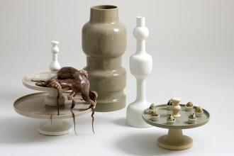 Una panoramica di alcuni pezzi della nuova colezione di Sam Baron per Bosa Ceramiche
