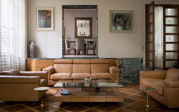 Il soggiorno di Villa Borsani progettata nel 1943 dall'architetto Osvaldo Borsani