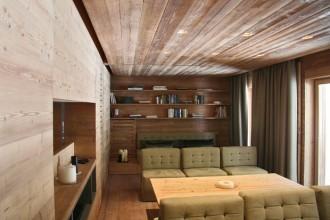 La zona giorno. Tutti gli arredi sono stati realizzati su disegno da Alberto Del Biondi Industria del Design