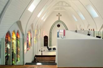 Visione d'insieme della grande navata unica dell'antica chiesa