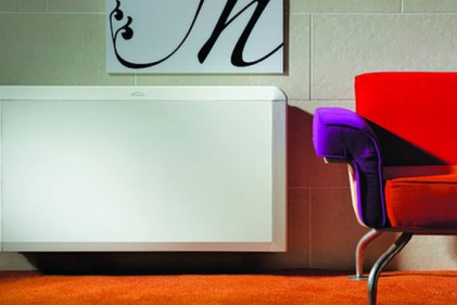 Carrier Diamond - Design a sviluppo verticale per lo split in pompa di calore che può essere installato a parete o nell'angolo di una stanza. L'unità è dotata di dispositivi di filtrazione per garantire la pulizia dell'aria. Con la tecnologia XPower DC Inverter si ottiene un'efficienza energetica di classe a sia in rinfrescamento sia in riscaldamento (prezzo da rivenditore). www.carrier.it