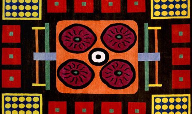 """Tappeti realizzati per """"Ontheground"""" di Sonia Giottoli artista e tatuatrice. La sua collezione è una traduzione in forma tessile dell'iconologia tribale"""