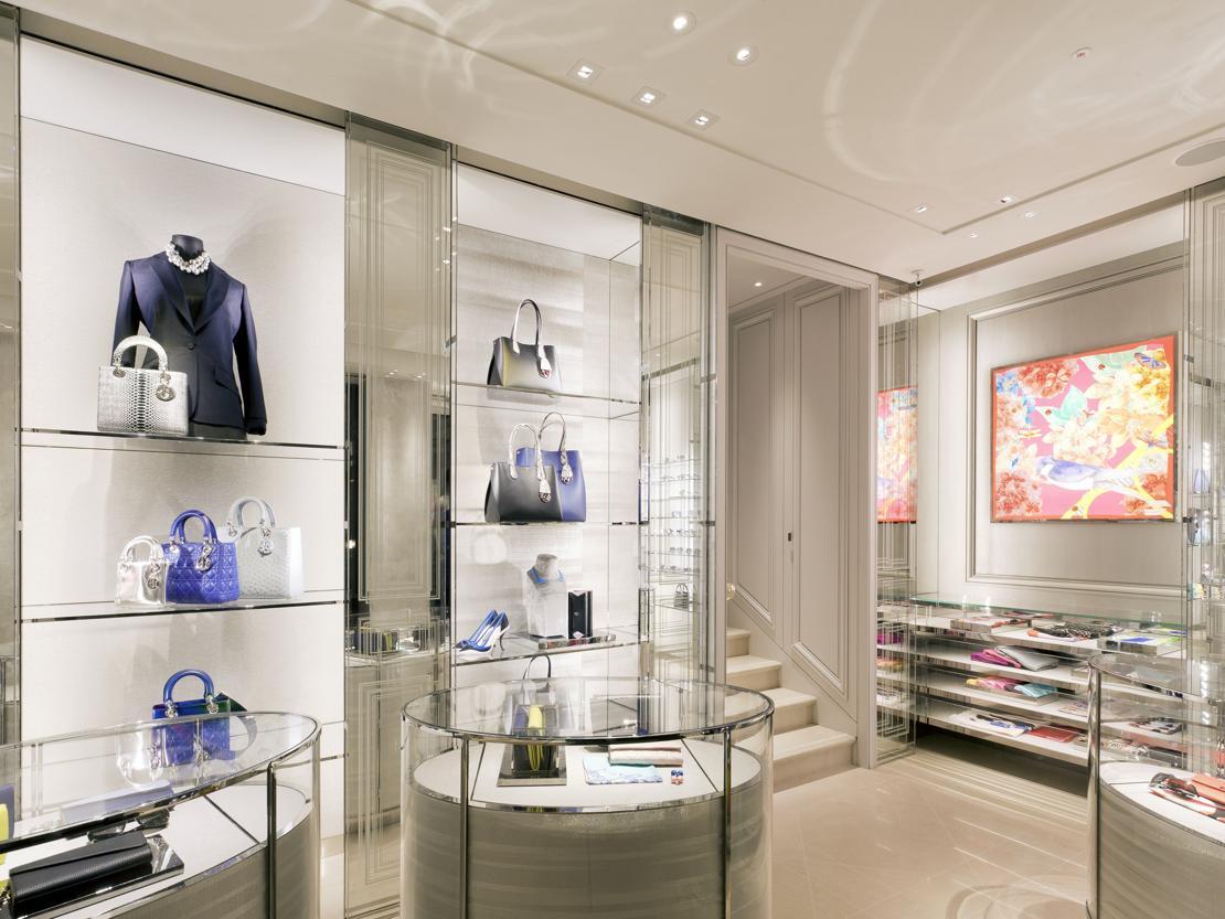 La nuova boutique dior a venezia for Negozi di arredamento del distretto di design dallas
