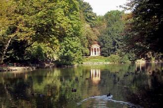 Il lago nel Parco della Villa Reale di Monza
