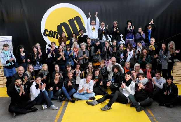 Una foto di gruppo di tutti gli studenti scelti per partecipare alla kermesse comasca
