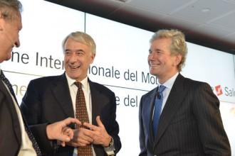 Il sindaco di Milano Giuliano Pisapia e il presidente di Cosmit Claudio Luti