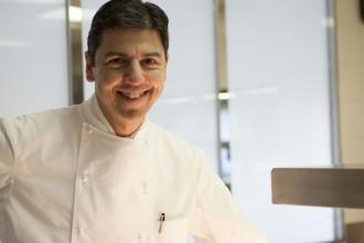 Lo chef Andrea Berton