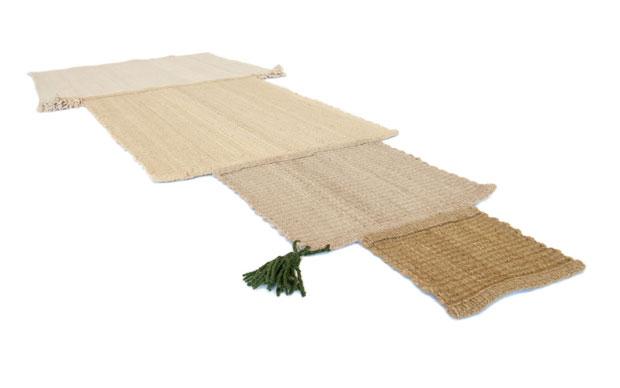 Un insieme dei 7 disegni dei tappeti intessuti a mano che compongono la serie Origin part II: Balance. Spiegano la giapponese Sayaka Yamamoto e l'istraeliano Boaz Cohen