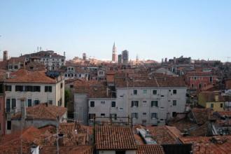 Veduta di Venezia da una delle finestre dell'ultimo piano di Palazzo Carminati a San Stae