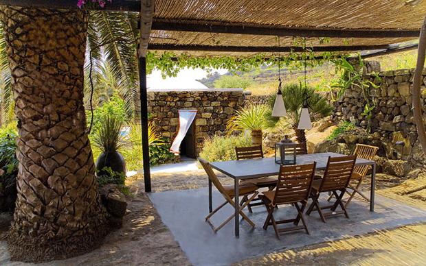 Case Di Pietra Pantelleria : Lo stile di pantelleria livingcorriere