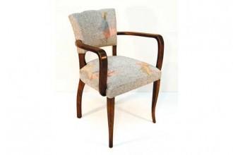 Textile design a sfondo bianco per la seduta WhiteTwin di India Carpenter