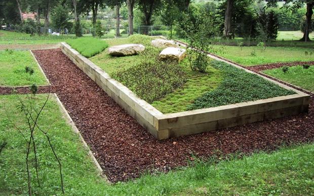 Il pergolato realizzato da Gilles Clément per i giardini del Musée du Quai Branly a Parigi. L'intervento