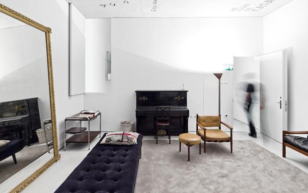 Design moderno e mobili d'epoca convivono nel SALONE