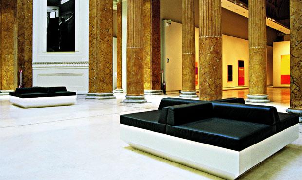 La sala neoclassica del Palazzo delle Esposizioni di Roma