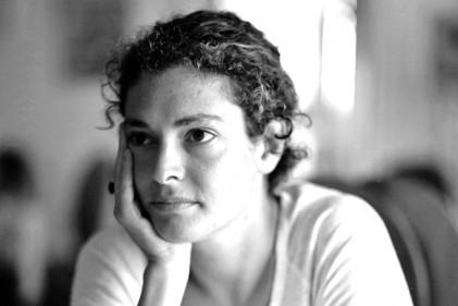 Un ritratto di Ginevra Elkann. Foto di Marius Ektvedt