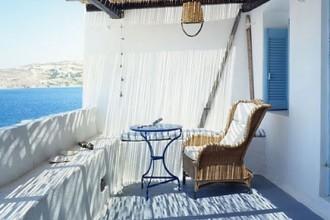 La guesthouse Panta Rei si trova nel cuore delle isole Cicladi. Emanuela and Jannis hanno sistemato la domatia dove si sono incontrati per alloggiare visitatori e amici