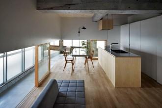 Il progetto di Makoto Tanijiri di Suppose Design Office ha interessato il secondo piano di un palazzo a Hiroshima