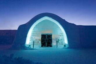 L'entrata dell'ICEHOTEL a Jukkasjärvi. Foto: Ben Nilsson/Big Ben Productions