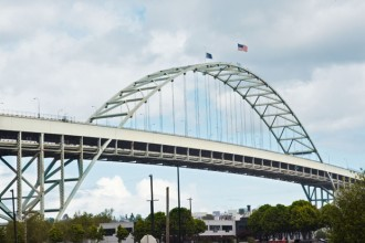Il ponte di Fremont collega le due rive del Willamette River