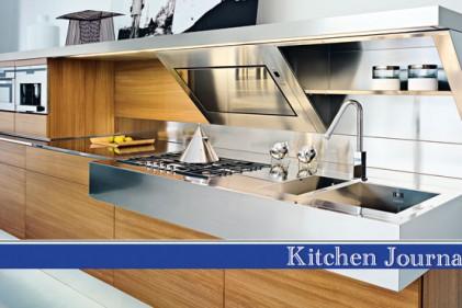 """La cucina """"Kube"""" di Snaidero integra le diverse zone operative in un unico piano"""