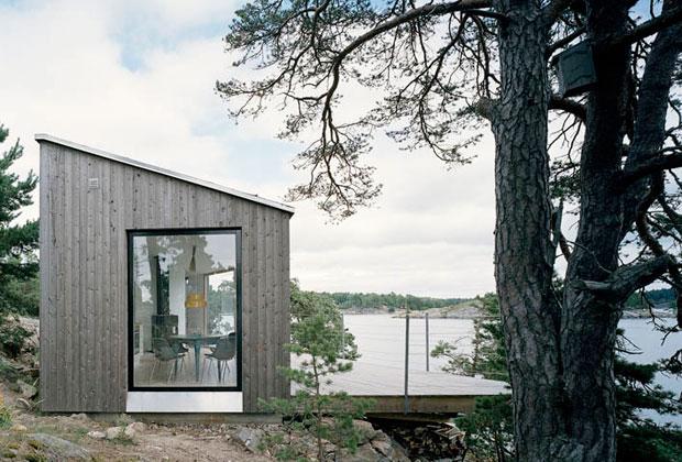 Concepita come guest house di una casa principale posizionata più in alto su una lieve collina
