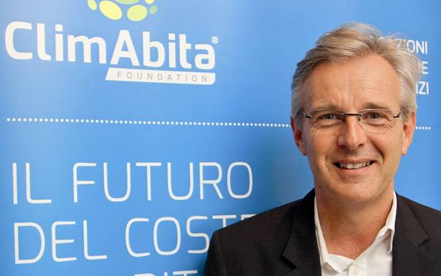 Il logo della neonata ClimAbita e il suo fondatore Norbert Lantschner