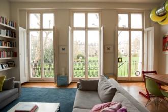 L'appartamento è situato al piano terra di un elegante edificio storico di Londra