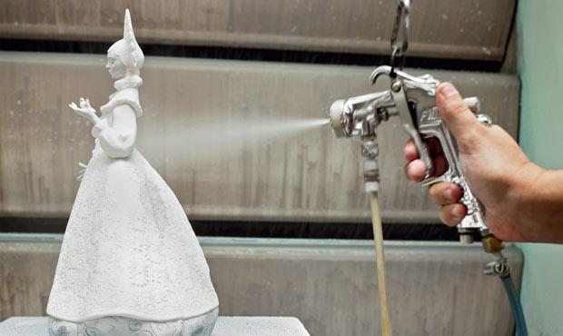 Lavorazione della statuina Snow Maiden