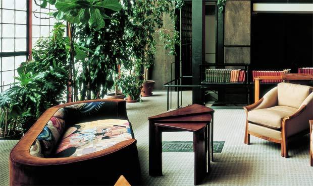 maison de verre livingcorriere. Black Bedroom Furniture Sets. Home Design Ideas