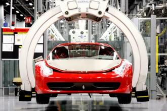 Dentro la fabbrica delle Ferrari: è qui che viene realizzata l'automobile più famosa e amata nel mondo