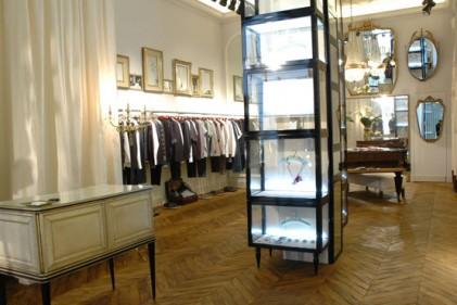 Lo stile ricercato e contemporaneo di Antonio Marras si mescola con pezzi d'arredo da salotto buono