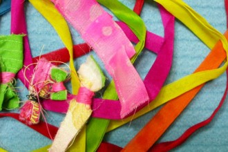 La collezione di Hong Lee comprende sia tessuti per la moda che per l'arredamento. Nell'immagine