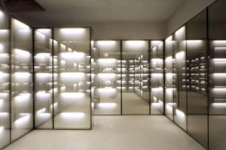 Office 02. Il primo progetto realizzato da OFFICE Kersten Geers David van Severen: l'entrata e la reception di uno studio notarile a Antwerp