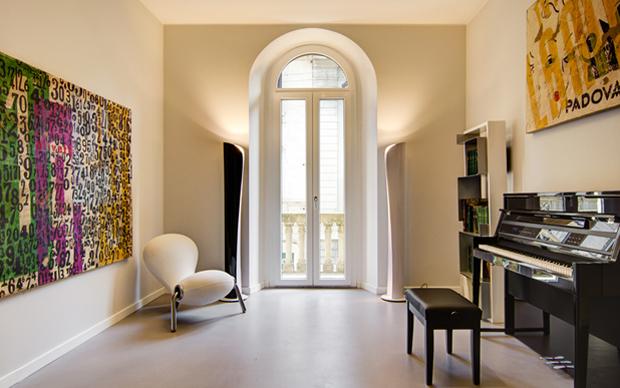 Sala musica con pianoforte
