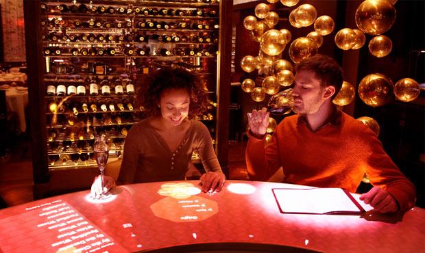 Il wine bar Adour di proprietà del rinomato chef Alain Ducasse