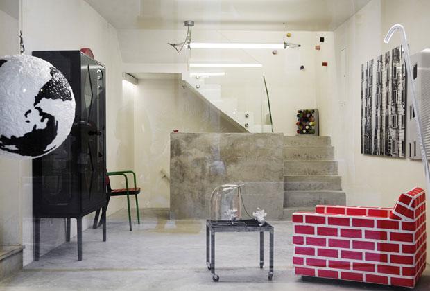 La vetrina di Secondome: a destra Bricks & Mortar