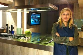 Patricia Urquiola si cimenta con il mondo degli elettrodomestici di alta gamma firmando il nuovo format espositivo di Sholtès