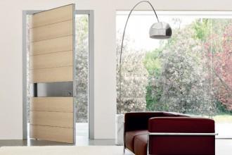 Il portoncino in legno per garage Secur modello For di Silvelox (cm 267x258) è certificato anti-effrazione classe 1 (da € 2.770). Tutti i prezzi riportati nel servizio sono senza IVA