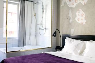 Un'atmosfera calda e accogliente invita viaggiatori e abitanti di Stoccolma a fermarsi allo Story Hotel anche solo per un caffé nello Story Bar