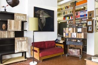 Uno scorcio dello studio torinese di Mario Pandiani. A sinistra