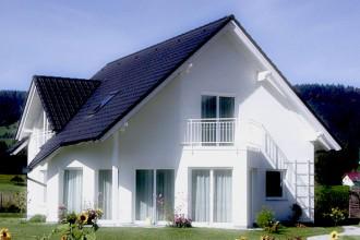 Uno dei primi interventi per migliorare le prestazioni di un'abitazione e ottenere la certificazione è la cura degli infissi